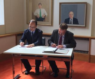 University of Leicester and National Nuclear Laboratory sign an agreement with Korea Atomic Energy Research Institute on future space battery design