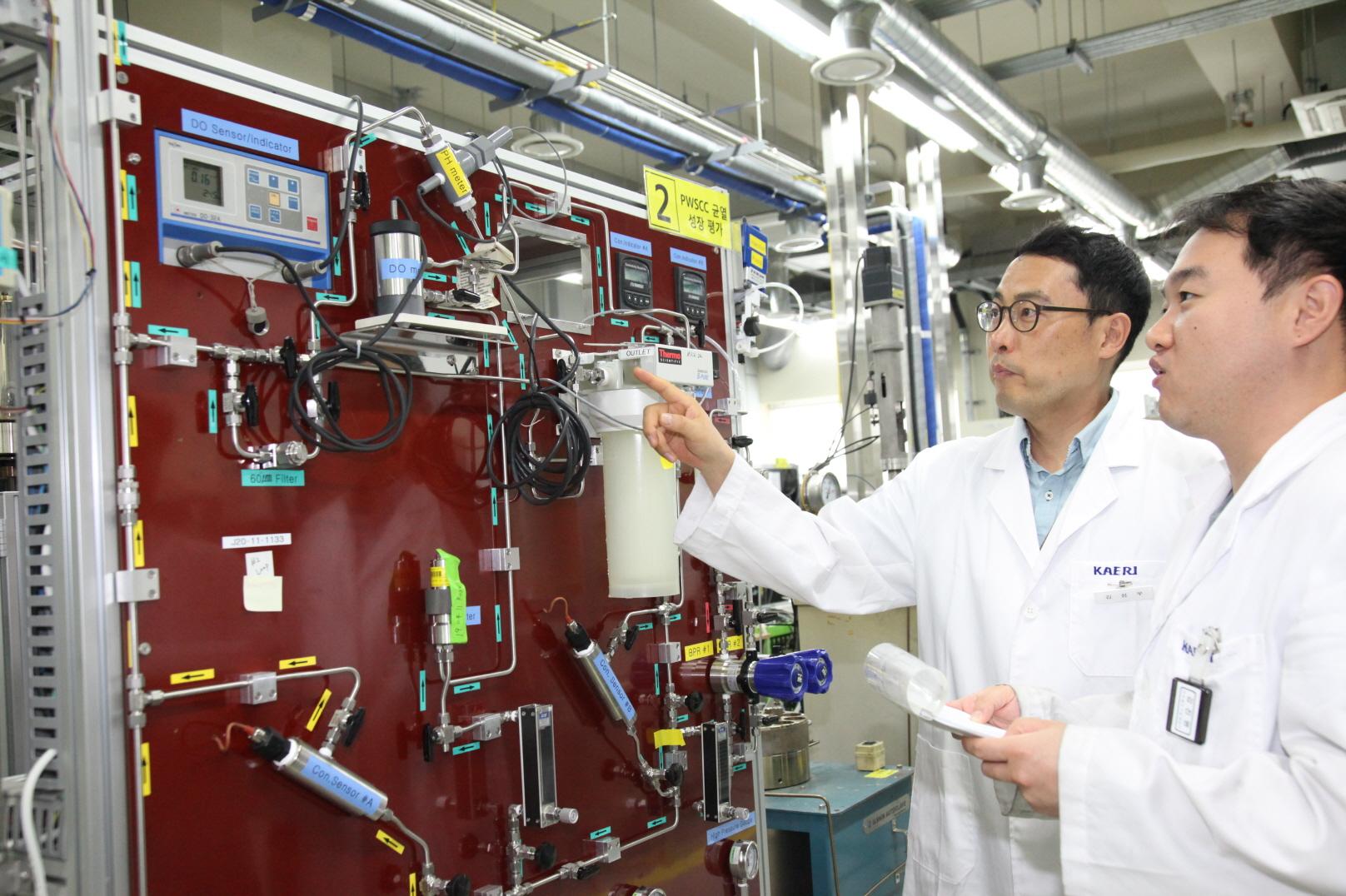 인코넬690의 부식균열을 예측하는 기술을 세계 최초로 개발